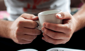 destress with cup of tea - 5 benefits of drinking tea